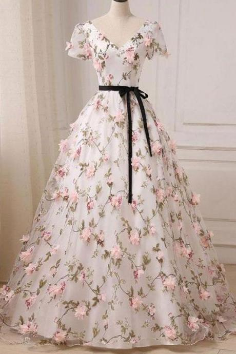Ball Gown Prom Dresses V-neck Floor-length Floral Long Lace Prom Dress